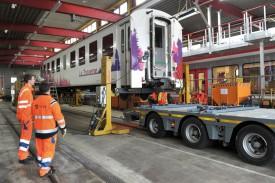 C'est la deuxième fois que ce wagon quitte les rails, pour être prêté lors d'une manifestation. © Michel Duperrex