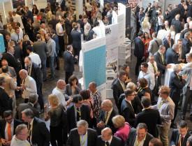 Entre conférences et workshops, le Forum économique est surtout une occasion unique de réseauter et de faire de nouvelles connaissances. © Michel Duperrex