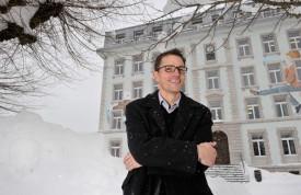 Le directeur des écoles de Sainte-Croix, Fabian Zadory, n'est pas sans connaître les hivers rigoureux du Balcon du Jura. © Michel Duperrex