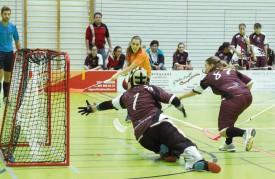 La gardienne yverdonnoise Audrey Favre ne peut rien faire sur le 0-2, marqué par Eliane Ganz. © Michel Duvoisin