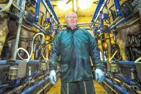 A l'initiative de Philippe Gruet, de Sermuz, le Cercle laitier d'Yverdon a demandé à Prolait de s'engager pour améliorer les prix, dans un secteur qui voit de plus en plus de producteurs jeter l'éponge. © Carole Alkabes