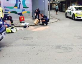 La personne blessée à l'arme blanche a été longuement soignée par les secouristes. DR
