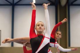 La classe des Amis-Gymnastes. Ici, Isabel Dos Santos (premier plan) et Leila Corciulo. © David Piot