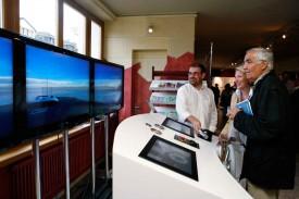 Les visiteurs du vernissage ont pu tester le simulateur du bateau PlanetSolar.