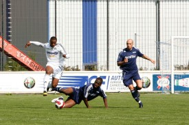 Les Baulmérans (en bleu) courent après les Fribourgeois... et le score.