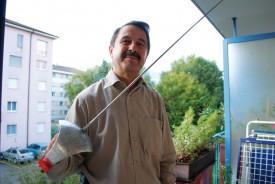 Wolfgang Frank, sur le balcon de son domicile yverdonnois.
