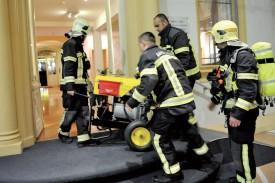 Ce ventilateur a été acheminé dans les sous-sols du bâtiment, afin d'évacuer le chlore résiduel. ©Michel Duperrex