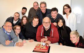 Toute la rédaction de La Région Nord vaudois s'est retrouvée autour de Bouillon et d'un gâteau pour fêter dignement les septante ans du trublion. ©Michel Duperrex