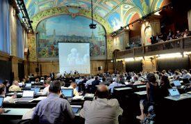 Le Grand Conseil actuel (2012-2017) ne comprend que 43 femmes sur 150 députés, soit 28,6%. ©Jacquet-a