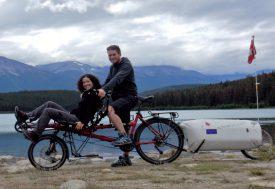Les deux cyclistes découvrent les Amériques. ©BenTess Schnellyss