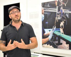 Le directeur de la Maison d'Ailleurs, Marc Atallah, a servi de guide aux journalistes. ©Carole Alkabes