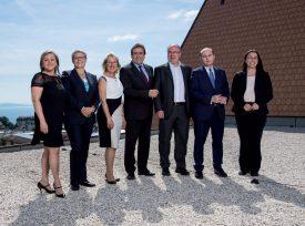 Voici le nouveau visage du Conseil d'Etat (de g. À dr.): Nuria Gorrite (PS), Béatrice Métraux (Les Verts), Jacqueline De Quattro (PLR), Pascal Broulis (PLR), Pierre-Yves Maillard (PS), Philippe Leuba (PLR) et Cesla Amarelle (PS). ©Keystone