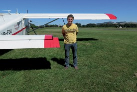 Daniel Goetschi, directeur technique des Championnats suisses de voltige, lors d'un récent passage à l'aérodrome d'Yverdon-les-Bains. ©Raposo