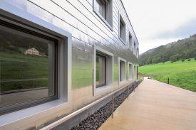 Le bâtiment est l'oeuvre de l'architecte yverdonnois Patrick Minder. ©Carole Alkabes