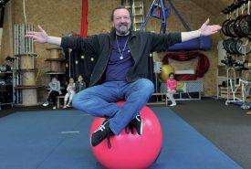 Pierre Grivaz, laborant médical en bactériologie, a tout abandonné pour fonder sa propre école de cirque, en 2004. ©Duperrex-a