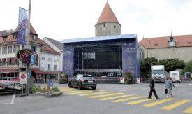 La Messe allemande sera interprétée, dimanche, sur la grande scène montée au bout de la rue de la Plaine. ©Michel Duperrex