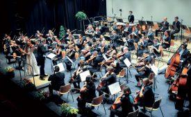 Composé de septante musiciens, l'Orchestre des Nations Unies a joué le concert d'ouverture, samedi, mêlant Mozart, Bach et Brahms. ©Carole Alkabes