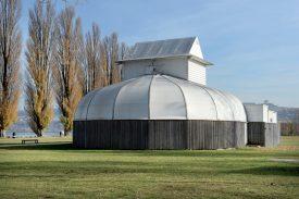 Le théâtre élisabéthain, installé en 2006 dans la Cité thermale, avait également accueilli l'association Club Paradis. Finalement, l'ADER, dernier repreneur potentiel en date, s'est retirée. ©Michel Duperrex