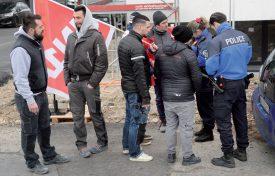 Les six grévistes d'Electricité 2020 ont obtenu de leur employeur un dédommagement financier et ont repris le travail courant de l'après-midi. ©Michel Duperrex