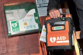 Le défibrillateur des pompiers de Tévenon est à la disposition de bénévoles qui ont été formés pour sauver des vies.