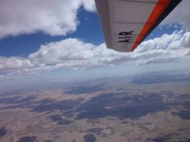 Yvan David et Laurent Zahn ont volé au-dessus des portes du désert du Namib, atteignant l'altitude maximale de 5079 mètres.