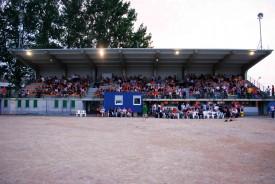 L'ancienne tribune de l'hippodrome, ici lors de l'Open Air en été 2009, pourrait abriter un cinéma d'art et d'essai.