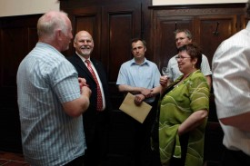 Martine Rauber (ci-dessus), avec le préfet Albert Banderet (cravate rouge) et Eric Girardet (ci-dessous à gauche).