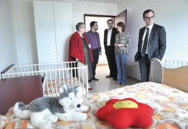 L'UAT, qui acueille autant des bébés que des adolescents, possède des chambres adaptées aux différentes catégories d'âge. © Michel Duperrex