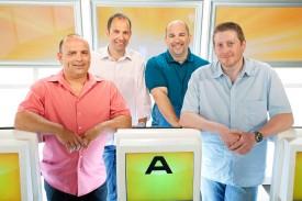 Eric Baatard, Nicolas Strickler, Philippe Frosio et Frédéric Gallaz défendront les couleurs vaudoises dans la finale du jeu télévisé «Le monde est petit».
