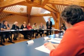 Jean-Daniel Carrard et Jean-Michel Benay,  ont défendu les statuts de l'association intercommunale en matière de défense incendie et secours devant les conseillers communaux de Champagne, quelque peu sceptiques.