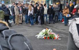 Les amis et proches du défunt se sont déplacés en nombre samedi après-midi pour lui rendre hommage et témoigner de leur incompréhension.