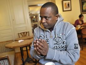 L'espoir de Loway est de revoir un jour ses parents et ses amis restés au pays. Selon lui, la sympathie de ses habitants contraste avec la cruauté du dictateur Issayas Afewoki.