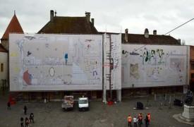Découpées en cinq éléments, la toile de Mine Vander mesure pas moins de 734 m2.