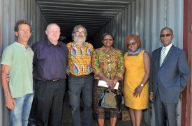L'ambassadeur et sa femme étaient accompagnés de nombreux bénévoles. ©Carole Alkabes