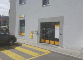 Hier matin, le bureau de poste d'Yvonand était à nouveau ouvert selon les horaires habituels. ©JPW