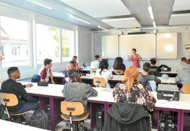 Des salles de classe du CPNV ont été aménagées avec tout le matériel informatique nécessaire aux nouveaux apprentis. ©Carole Alkabes