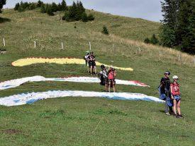 La «team Chasselas» a gagné un saut en parapente, en face du Titlis. ©Eric Chappuis