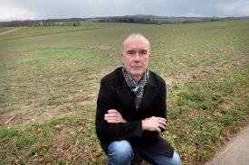 Yves Pellaux, syndic du village, se réjouit d'accueillir 130 logements sur ce terrain, d'ici à 2021. ©Michel Duperrex