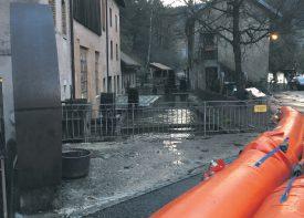 A Vallorbe, des précautions ont été prises pour éviter l'inondation de bâtiments proches de l'Orbe. ©David Perrelet