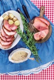 A droite : jambon à l'os, sauce relevée : une des quarante recettes présentées. ©APVB