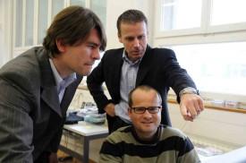 Le fondateur Martin Demierre (à g.), en 2008, avec Christophe Lorétan, directeur commercial, et Jean-Philippe Egger, responsable développement.