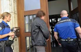 L'accusé lors de son arrivée au Tribunal d'arrondissement de la Broye et du Nord vaudois, hier matin.