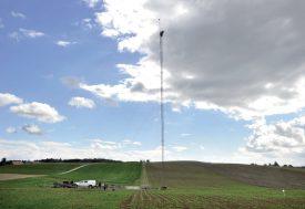 Un mât de 100 mètres a été installé à Bavois, en 2015, pour prendre des mesures du vent. ©Duperrex-a