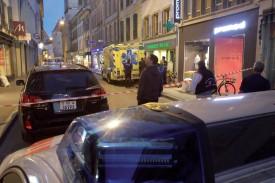 Les environs de l'immeuble où s'est produit le crime ont été isolés jusqu'en fin de soirée. ©Charles Baron