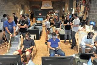 L'Aula Magna est devenue le temple des jeux vidéo indépendants durant le week-end. ©Michel Duperrex