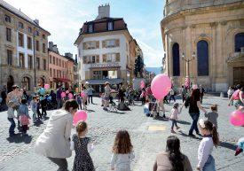 Avec «Tondorunderond», les nombreux participants ont appris quelques pas simples tout en écoutant de la musique, afin de danser ensemble sur la place Pestalozzi. A tour de rôle, chacun a pu prendre les commandes de la ronde. ©Michel Duperrex