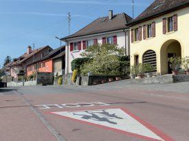 La route qui traverse le village de Treycovagnes. ©Michel Duperrex