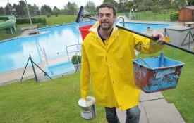 Les travaux terminés, Pascal Bays, le président du comité de l'association de la piscine d'Orbe, a hâte de voir les baigneurs profiter des bassins. ©Michel Duperrex