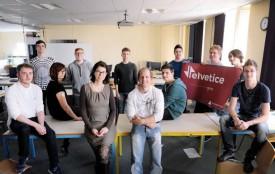 Les entrepreneurs en herbe ont été pilotés par Chantal Donzé et Yvan Haeri (au centre). © Nadine Jacquet