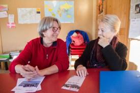 Marie-Hélène Russi (à g.), avec Yvette Fishman, vice-présidente de l'ARAVOH. © Mikaël Justo